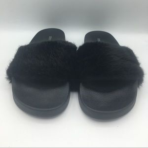 Steve Madden Women's Furry Sandals